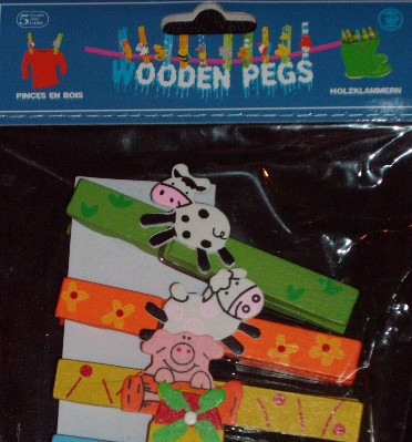 Wooden Pig Pegs